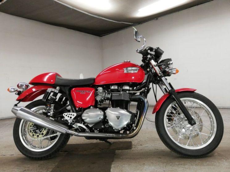 triumph-bike-thruxton900-black-70312365492-1