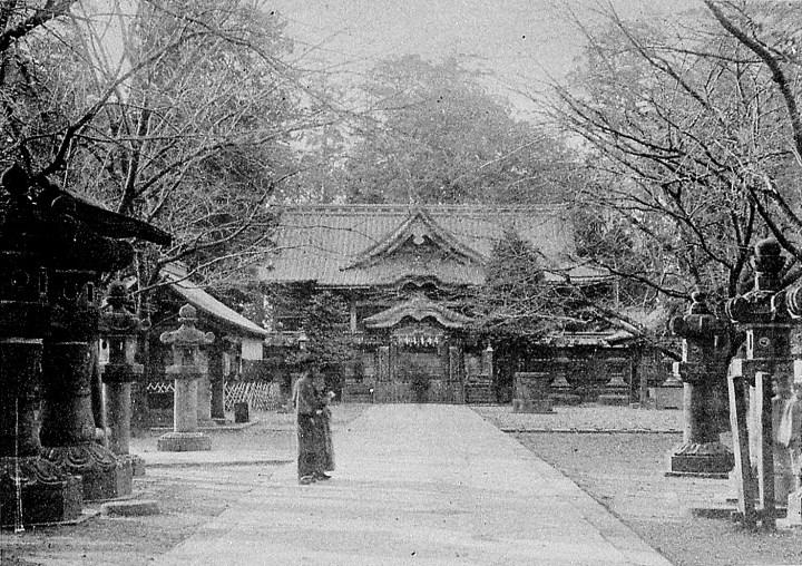 Ueno Toshogu in the bakumatsu or very early Meiji.