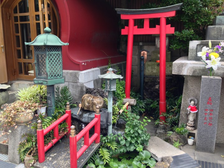 A little shrine to Benzaiten, one of the 7 gods of good luck.