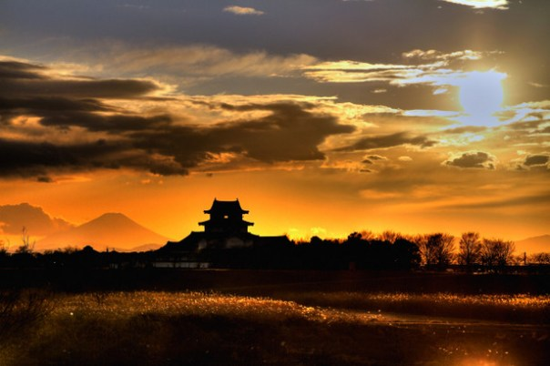 Sekiyado Castle, the river/s that made it famous, and Mt. Fuji.  Awesome!