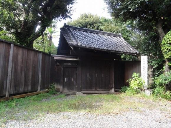 Edo Period gate to the residence of the Komagome Village headman.