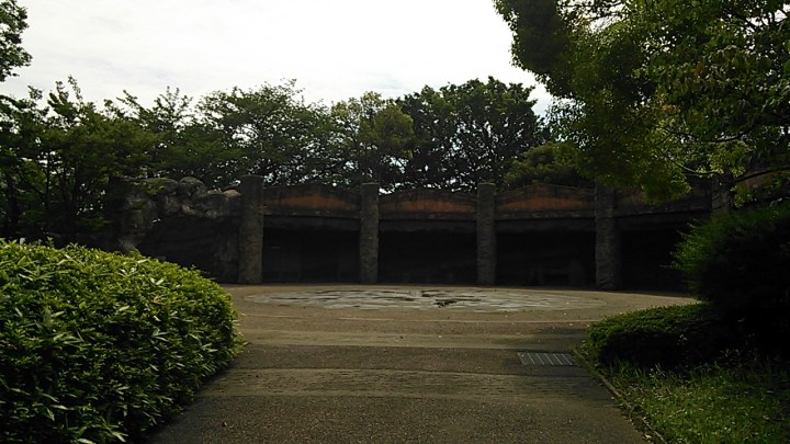 The entire excavation site is preserved as a park and a memorial to Morse and the team that launched Japanese archaeology. you can walk around the wall inside the excavation and look at the cut away wall and see rows of shells piled up.