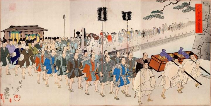 Many daimyo processions happened in Uchisaiwaicho.