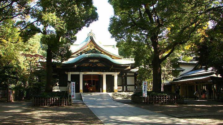 Conspicuously, Ōji Shrine possesses no armor from Minamoto no Yoritomo.