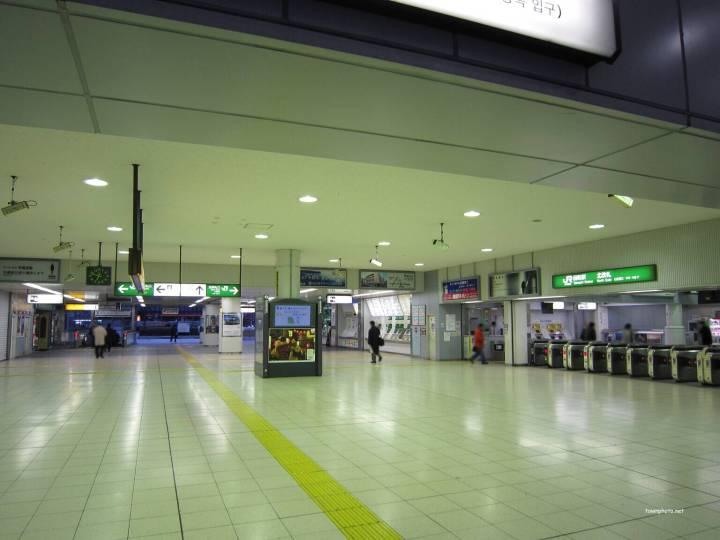 tamachi-station-empty