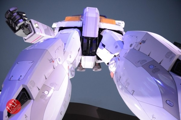 Gundam attraction is Chinese Humiliation & incomprehension for Russian weaoon dealer (4)