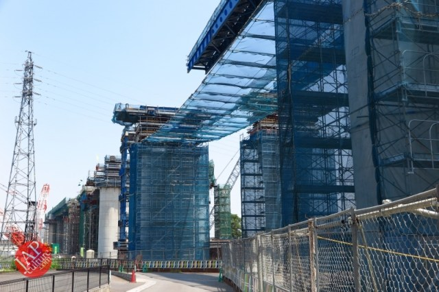 Sensitive spot big scale high way construction, Kenoudou accross Shinkansen. (31)
