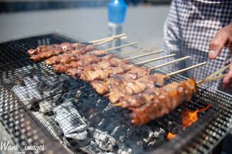 Syempre hindi mawawala ang pagkaing pinoy na ito na kilalang kilala kahit saang kanto meron nito ang BBQ!
