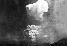 Una desconocida foto del hongo atómico sobre Hiroshima