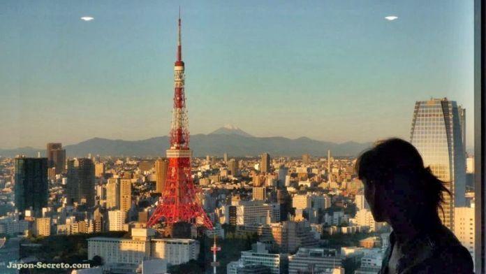 Vistas de la Torre de Tokio y del Monte Fuji desde el hotel (Tokio, Japón)