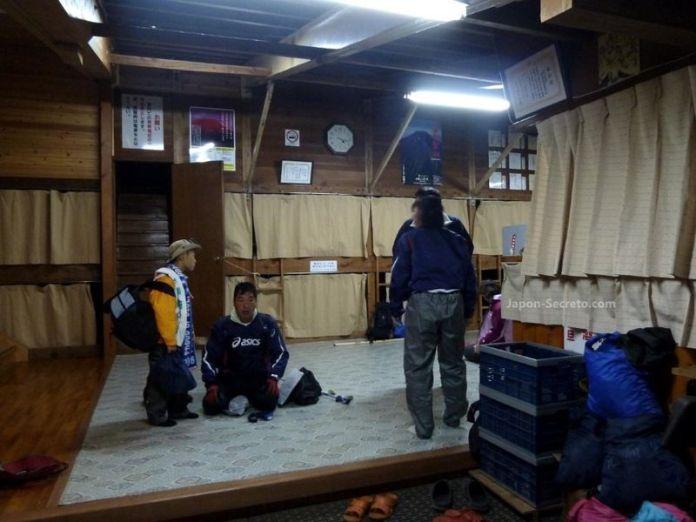 Refugio de montaña. Guía para subir al Fuji (japon-secreto.com)