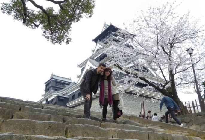 En el castillo de Kumamoto en plena floración de los cerezos