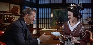 """Townsend (John Wayne) y Okichi en """"El Bárbaro y la Geisha"""" (""""The Barbarian and the Geisha"""", 1958)"""