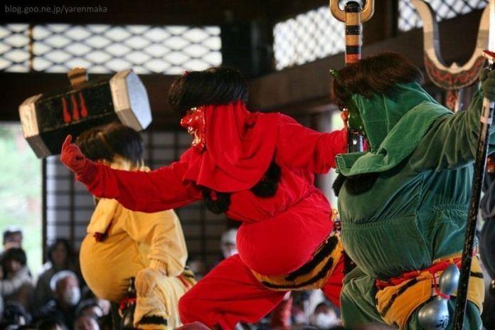 Festivales de Japón: el Oni Odori o Baile de los Ogros, en la ciudad de sanjo (prefectura de Niigata)