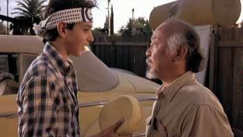 "Dar cera, pulir cera. ""Karate Kid"" (1984)"