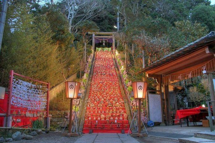 Festivales de Japón: el Katsuura Big Hina Matsuri, un festival en el que puede verse un montaje de Hina Matsuri de 1.800 muñecas