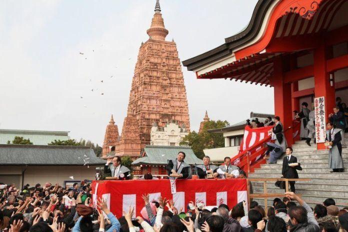 Festivales de Japón: Festival Setsubun en el templo Naritasan Myoji de Kurume (prefectura de Fukuoka)