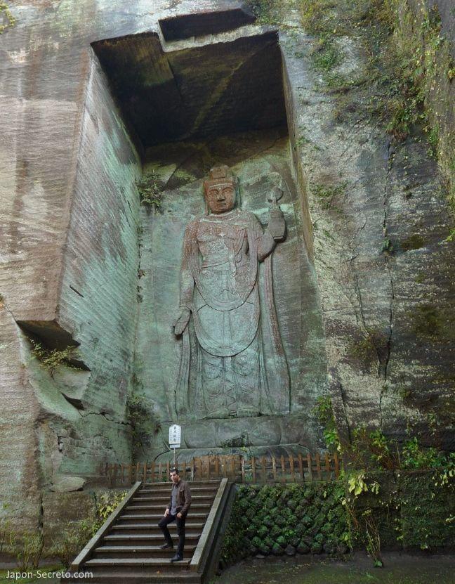 "Excursión desde Tokio. Monte Nokogiri: Hyakushaku-Kannon(百尺観音) oKannon de 100 ""shakus"""