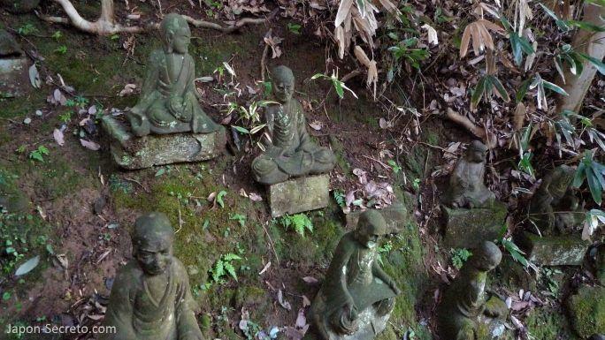 Excursión desde Tokio: 1.500 figuras de arhats o iluminados talladas en el monte Nokogiri (Japón)