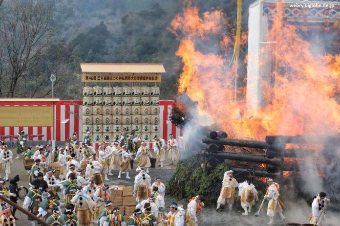 Festivales de Japón: Agon No Hoshi Matsuri, celebrado en febrero en Kioto