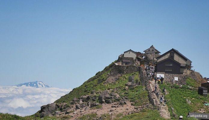 Dewa Sanzan: santuario Gassan jinja en el monte Gassan