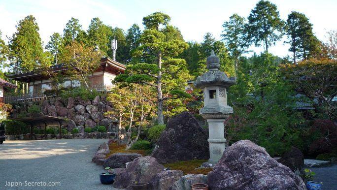 Viajar al Monte Koya o Koyasan: jardín del templo Eko-in (shukubo)
