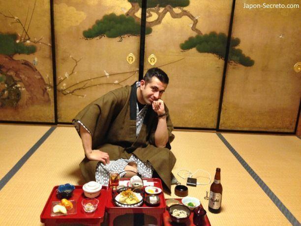 Viaje al Monte Koya o Koyasan (Wakayama): cenando en el templo Fudoin (shukubo) en Navidad (nochebuena de 2013)