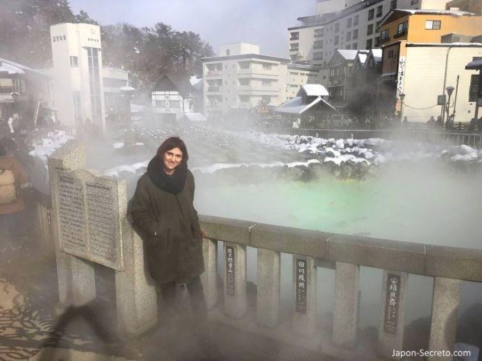 Viajar a Kusatsu Onsen en invierno, el pueblo balneario más famoso de Japón. Una perfecta excursión desde Tokio.