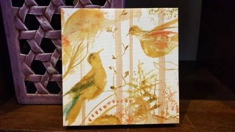 """Tableau """"Oiseau"""" impression et retouche à l'huile faite à la main sur cadre en bois, POLOGNE - Dimension : 14 cm de haut x 14 cm de large - Prix de vente : 15€."""
