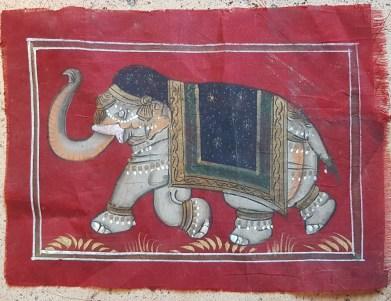 Pitchway peint à la main sur tissu représentatif de scène indienne, INDE - Dimension : 17 cm de large x 13 cm de haut - Prix de vente : 7€.
