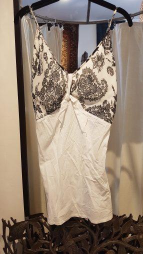 Top en voile de coton, bustier en polyester imprimé, INDE - Prix de vente : 30€.