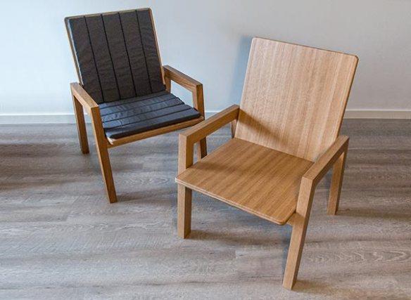 Puusepän valmistamat nojatuolit