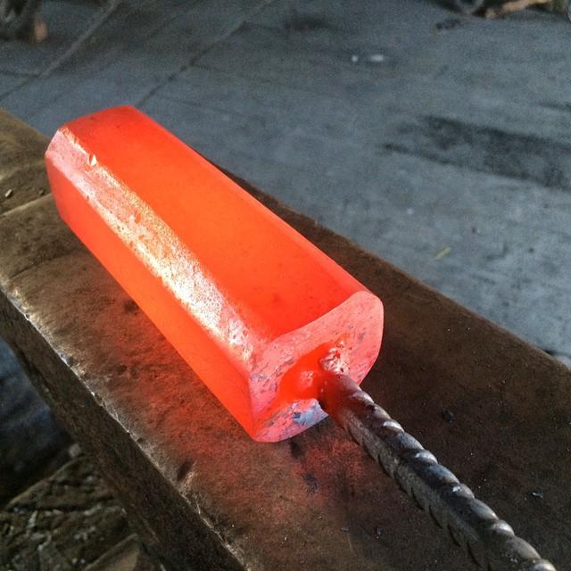 Råämne till 1,5kg slägga. Påskfin i färgen! 1,5kg forging hammer in the works