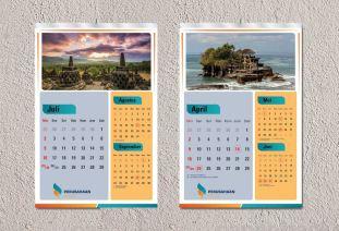 mock-up-kalender-dinding-1-jasa-cetak-percetakan-pencetakan-pembuatan-kalender-meja-duduk-dinding