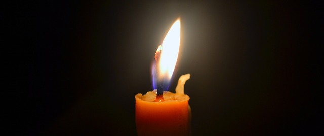 candle-704022_640