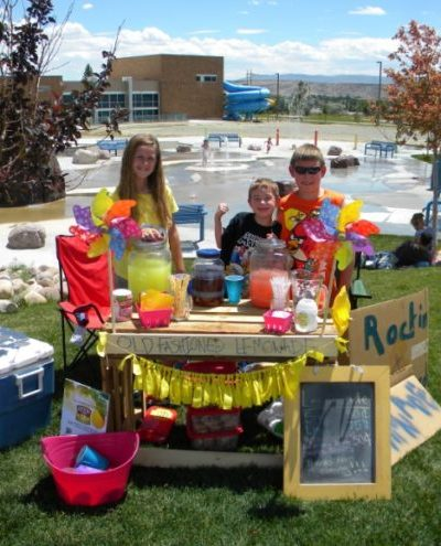 DIY Lemonade Stand Ideas – Join Country Time Lemonade's Great American Stand-tacular {And enter to win a Country Time Sampler Care Package}