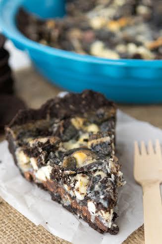 Delicious Cookies and Cream Magic Bars