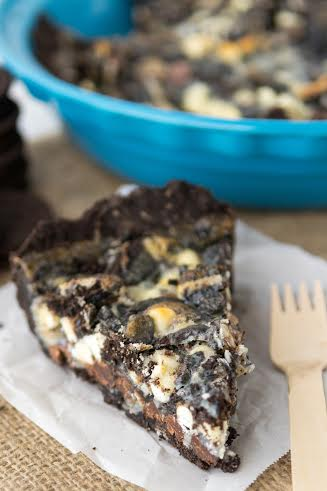 Delicious Cookies and Cream Magic Bars
