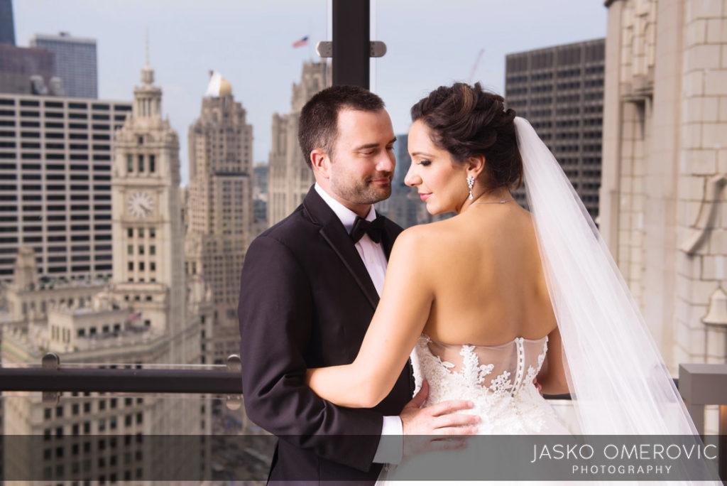 chicago-wedding-photographer-wyndgam-hotel-river-front-14