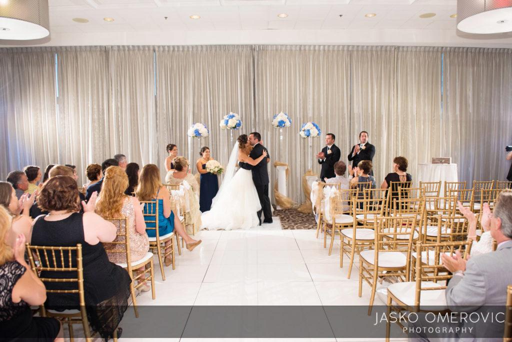 chicago-wedding-photographer-wyndgam-hotel-river-front-17