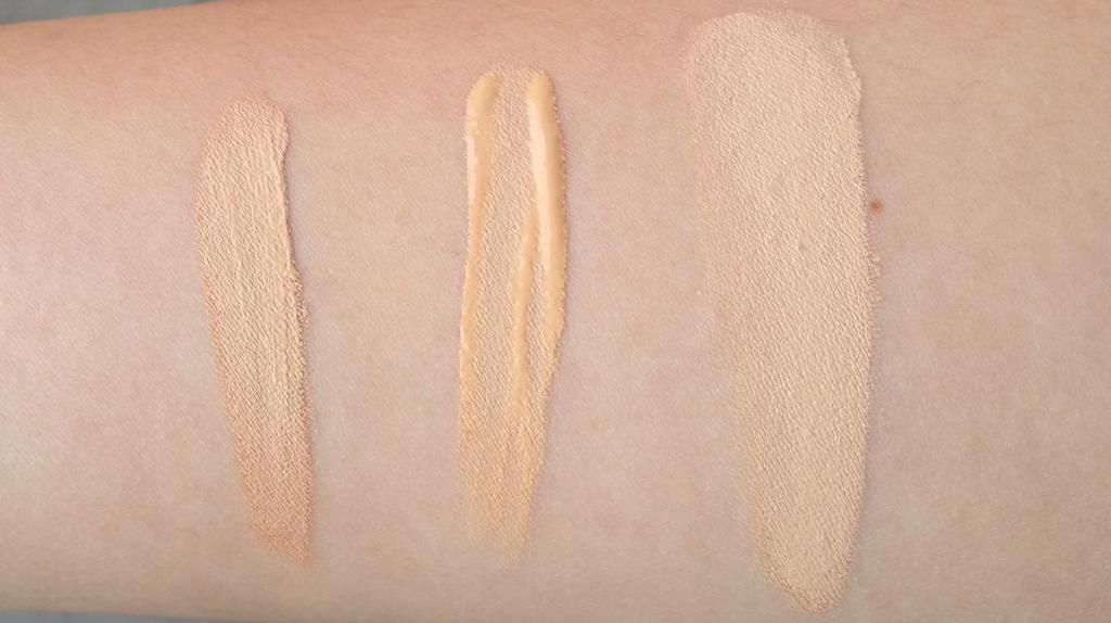 Van links naar rechts: NARS Radiant Creamy Concealer Custard - MAC Moisture Cover Concealer NC 20 - NARS Sheer Glow Deauville