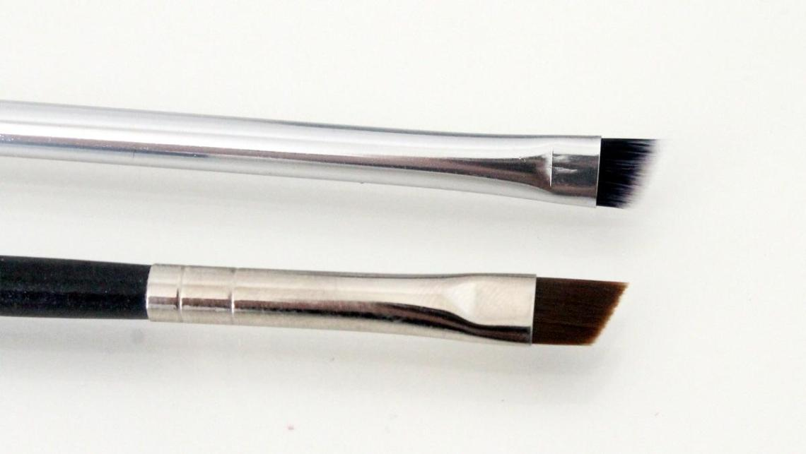 RT Eyeliner Brush - MAC 208