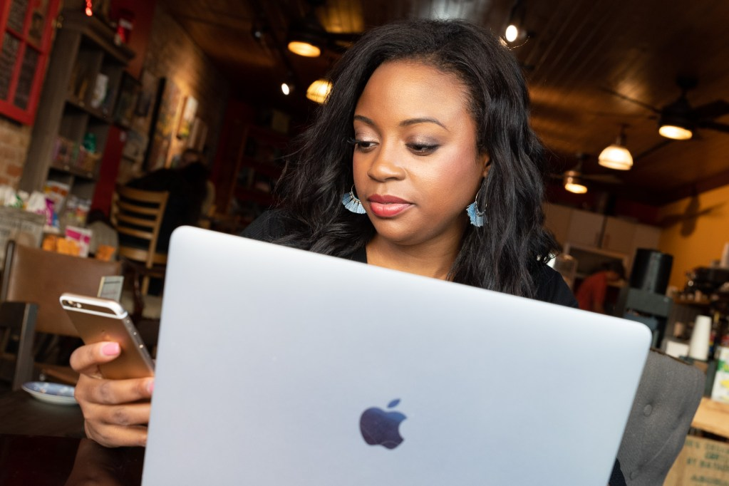 Jasmine Williams Media Freelance FAQ Computer Phone
