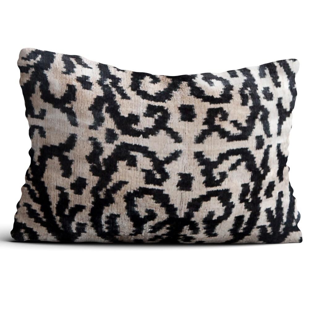 6674-silk-velvet-pillow