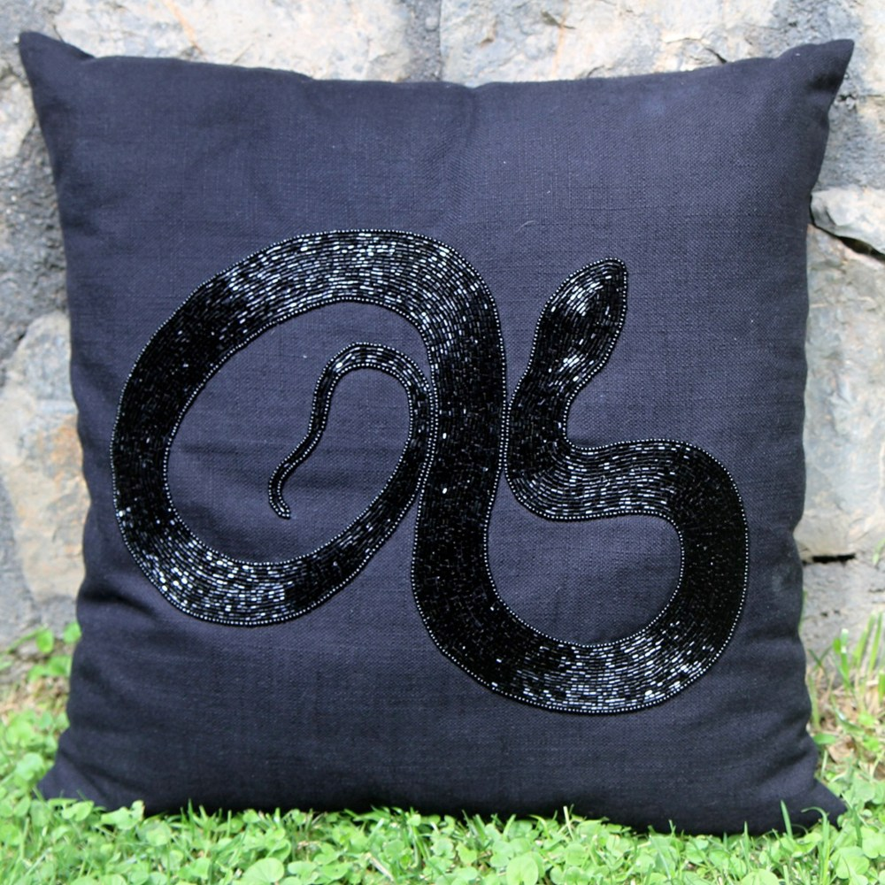 RH2-0007-GS-beaded-pillow-square
