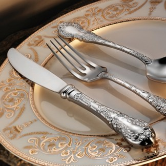 ciragan-flatware-collection-lifestyle