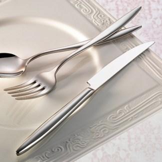 elegant-flatware-collection-lifestyle