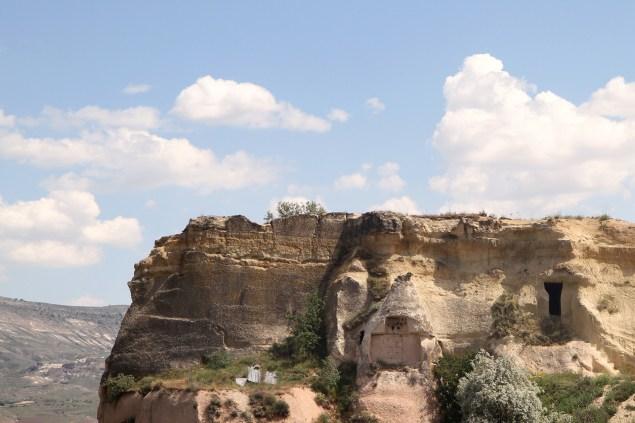 aya-kapadokya-outdoor-spaces-valley-view