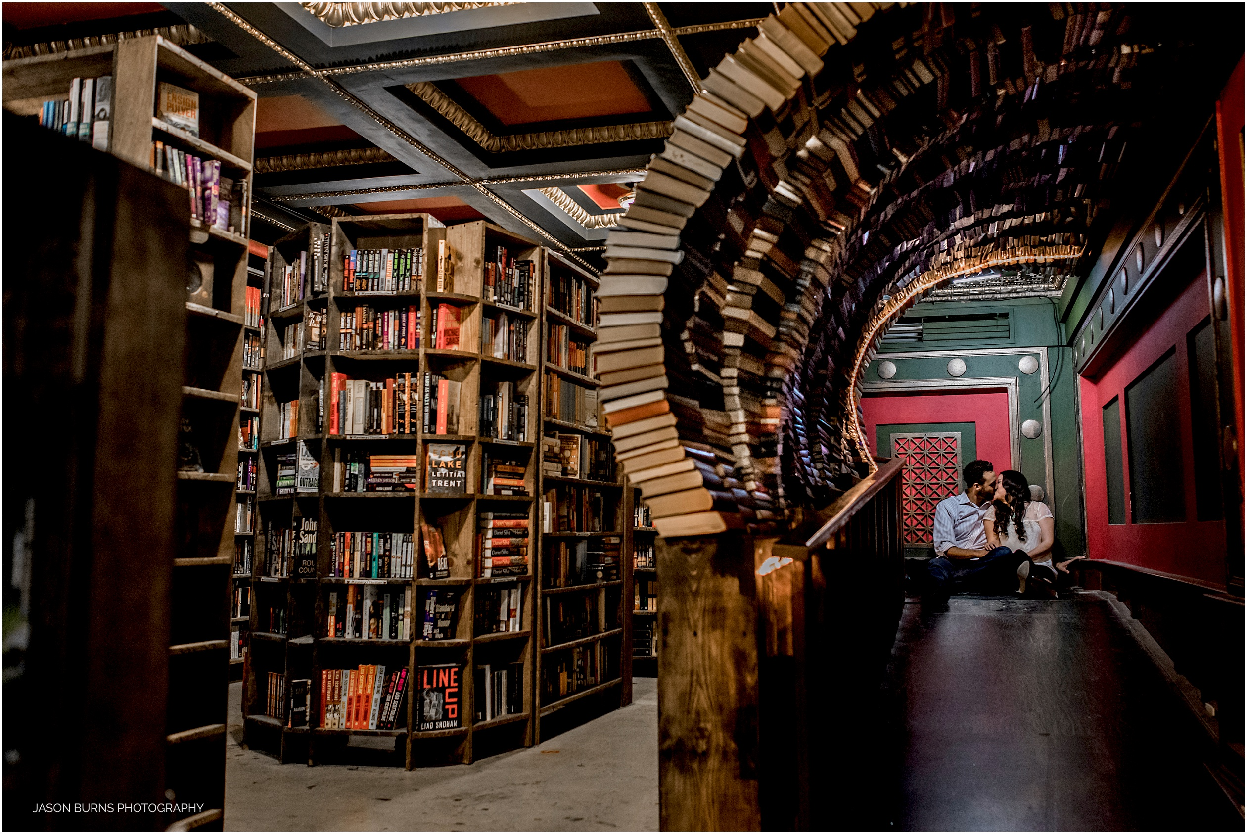 Los-angeles-engagement-session-the-last-bookstore09