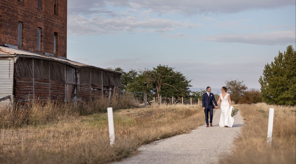 Brown Brothers Wedding Photography, winery wedding by wedding photographer Jason Robins